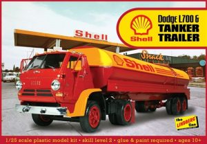 Lindberg Dodge L700 w/ Shell Tanker 1:25 Scale Model Kit