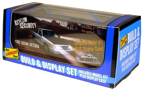 Lindberg FORD Crown Victoria Security Vehicle & Display case 1:25 Scale