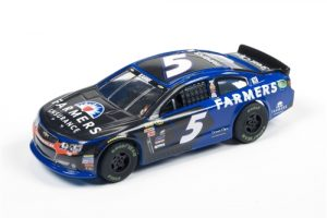 Auto World Super III R1 #5 KASEY KAHNE - 2016 CHEVY SS - Farmers HO Slot Car