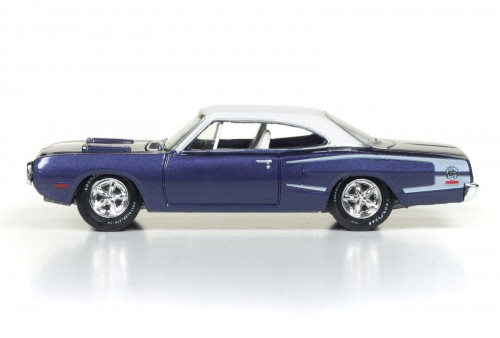 RC003_2017Rel1_70SuperBee_Side_SetC