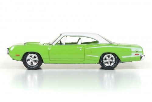 RC003_2017Rel1_70SuperBee_Side_SetD