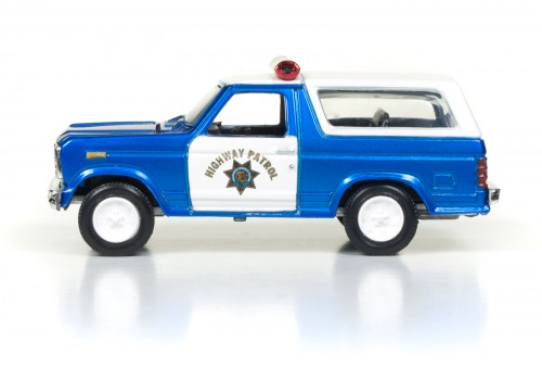 RC003_2017Rel1_80Bronco_Side_SetD