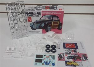 AMT Streetle Beetle Custom VW (Auto World Exclusive) 1:25 Scale Model Kit