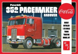 AMT Peterbilt 352 Pacemaker Cabover (Coca Cola) 1:25 Scale Model Kit