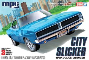 "MPC 1969 Dodge Charger R/T ""City Slicker"" 1:25 Scale SNAP Kit"