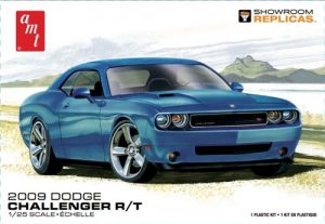 AMT 2009 Dodge Challenger R/T 1:25 Scale Model Kit