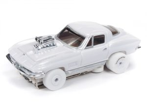 Auto World Thunderjet R23 1967 Chevrolet Corvette Coupe iWheels HO Scale Slot Car