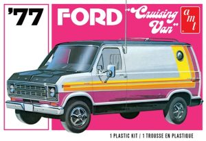 AMT 1977 Ford Cruising Van 1:25 Scale Model Kit