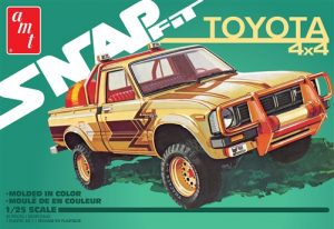 AMT 1980 Toyota Hilux SR5 Pickup (Snap) 1:25 Scale Model Kit