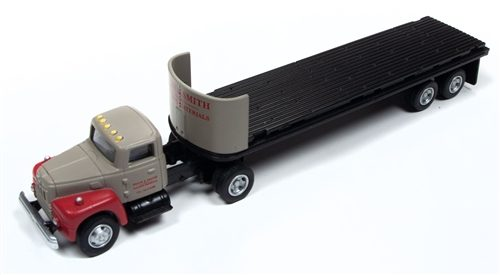 Classic Metal Works IH R-190 Tractor/ 32' Flatbed Trailer Set (Breir & Smith Building Materials) 1:87 HO Scale