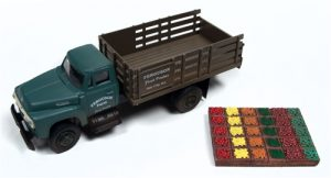Classic Metal Works 1954 Ford Stakebed Truck & Produce Crates (Ferguson Farm) 1:87 HO Scale