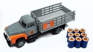 Classic Metal Works 1954 Ford Stakebed Truck & Oil Drums (Union 76) 1:87 HO Scale