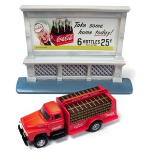 Classic Metal Works 1954 Ford Bottle Truck & 1950's Billboard (Coca-Cola) 1:87 HO Scale