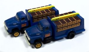 Classic Metal Works 1954 Ford Bottle Truck (Dad's Root Beer) (2-Pack) 1:160 N Scale