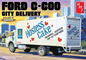 AMT Ford C-600 City Delivery (Hostess) 1:25 Scale Model Kit