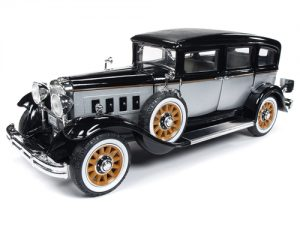 Auto World 1931 Peerless Master 8 Sedan 1:18 Scale Diecast