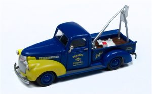 Classic Metal Works 1941-1946 Chevy Tow Truck (Sunoco) 1:87 HO Scale