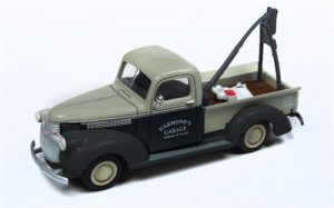 Classic Metal Works 1941-1946 Chevy Tow Truck (Hamond's Garage) 1:87 HO Scale