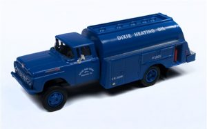 Classic Metal Works 1960 Ford Tank Truck (Dixie Gas Corp) 1:87 HO Scale