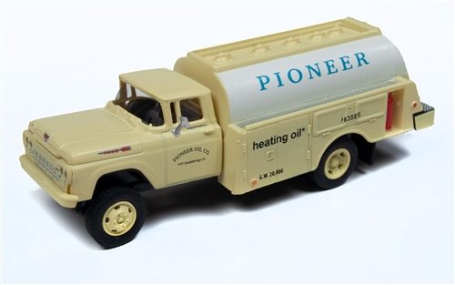 Classic Metal Works 1960 Ford Tank Truck (Pioneer Heating Co) 1:87 HO Scale