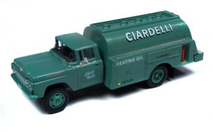 Classic Metal Works 1960 Ford Tank Truck (Ciardelli Heating Co) 1:87 HO Scale