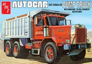 AMT Autocar Dump Truck 1:25 Scale Model Kit