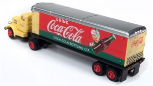Classic Metal Works White WC22 Tractor Trailer Set (Coca-Cola) 1:87 HO Scale