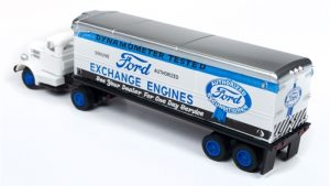 Classic Metal Works White WC22 Tractor Trailer Set (Ford Exchange Engines) 1:87 HO Scale