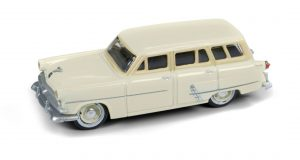 Classic Metal Works 1953 Ford Station Wagon (Sungate Ivory) 1:87 HO Scale