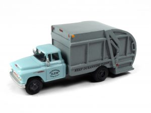 Classic Metal Works 1957 Chevy Garbage Truck (Oceanside Department of Public Works) 1:87 HO Scale