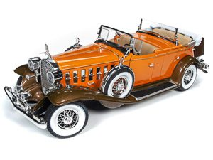 Auto World 1932 Cadillac V16 Sports Phaeton 1:18 Scale Diecast