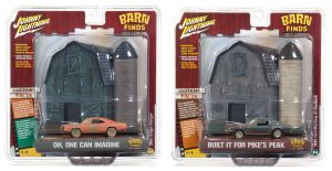 Johnny Lightning 2018 Diorama Series - Release 4 Barn Finds