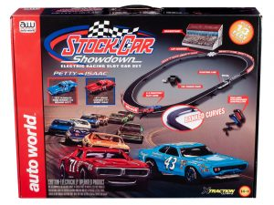 Auto World 13' Stock Car Showdown X-Traction Slot Race Set HO Scale HO Scale