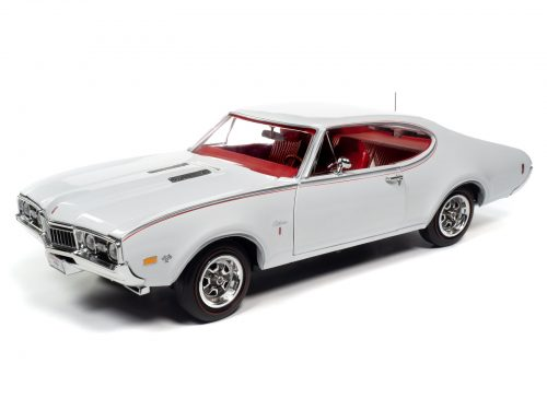 American Muscle 1968 Oldsmobile Cutlass S W31 (MCACN) 1:18 Scale Diecast