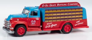 Classic Metal Works TraxSide Collection 1955 Beverage Truck (O-So Grape) O Scale