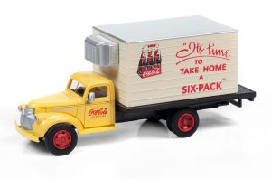 Classic Metal Works 1941-1946 Chevy Box Truck (Coca-Cola) 1:87 HO Scale