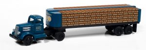 Classic Metal Works White WC22 w/Flatbed Trailer & Bottles (Peoples Beer) 1:87 HO Scale