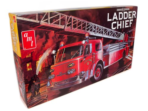 AMT American LaFrance Ladder Chief Fire Truck 1:25 Scale Model Kit