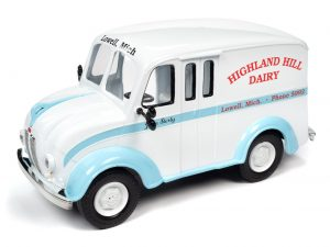 Auto World 1950 Divco Delivery Highland Hills Dairy Truck 1:24 Scale Diecast