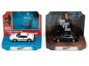 Johnny Lightning Silver Screen Machines Diorama - James Bond