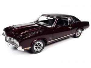 American Muscle 1970 Oldsmobile Cutlass SX (Class of 1970) 1:18 Scale Diecast
