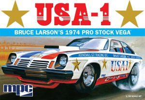 MPC BRUCE LARSON USA-1 PRO STOCK VEGA 1:25 SCALE MODEL KIT